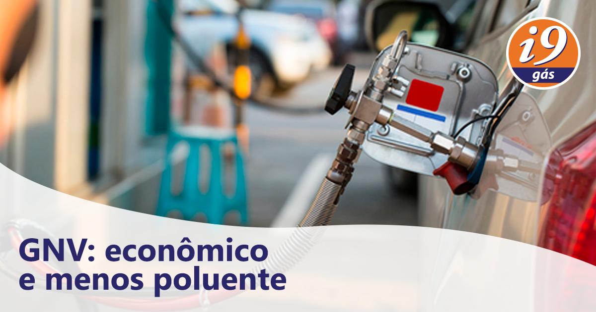 Posto de gasolina abastecendo com GNV | Benefícios do GNV para o meio ambiente